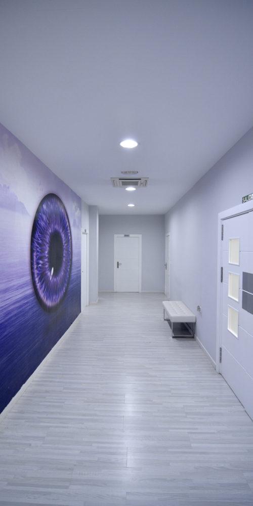 Pasillo clinica jaen hipermetropia
